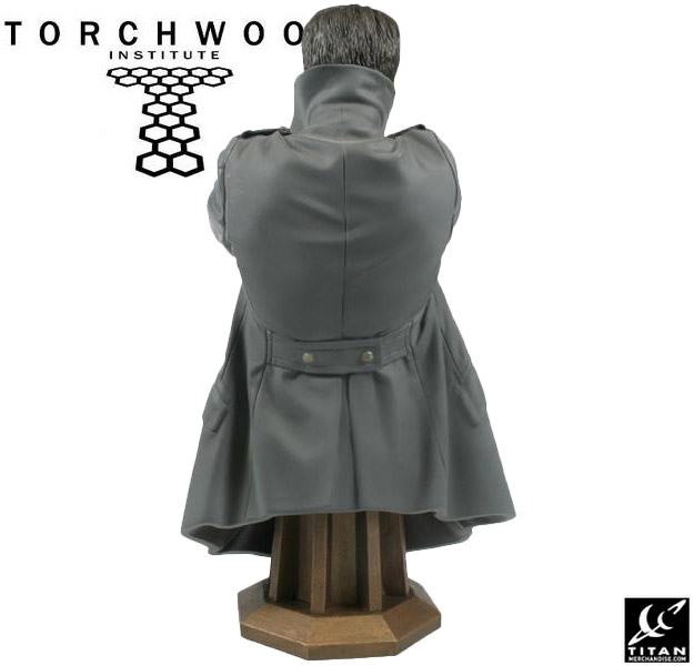 Torchwood-Masterpiece-Collection-Maxi-Bust-Captain-Jack-Harkness-05