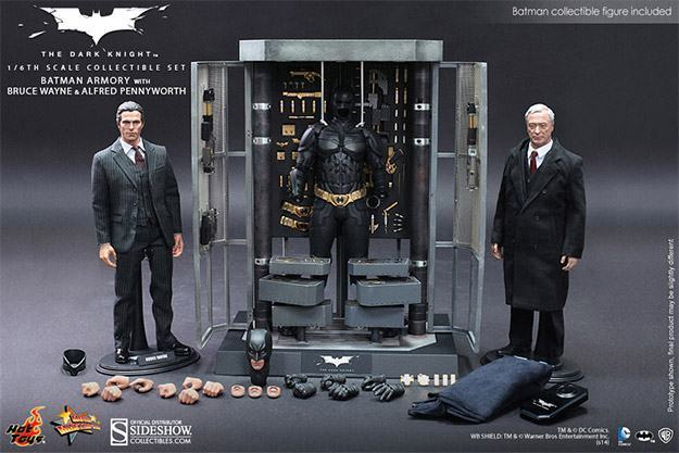 Batman-Armory-Hot-Toys-01