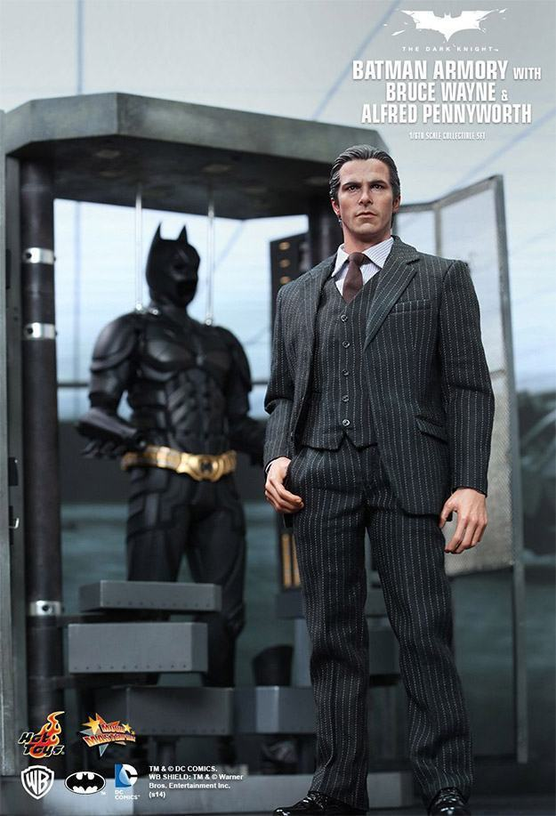 Batman-Armory-Hot-Toys-04