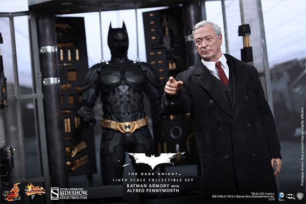 Batman-Armory-Hot-Toys-06