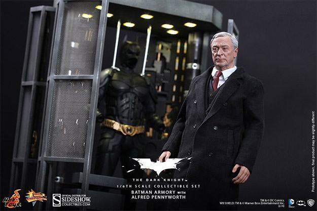 Batman-Armory-Hot-Toys-07