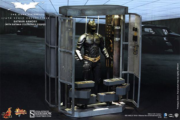 Batman-Armory-Hot-Toys-11