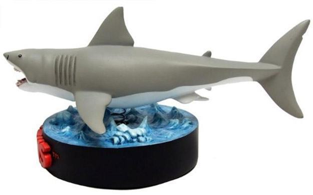 Jaws-Bruce-Shark-Deluxe-Premium-Motion-Statue-02