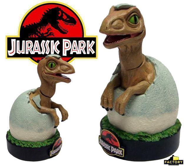 Jurassic-Park-Raptor-Hatchling-Premium-Motion-Statue-01