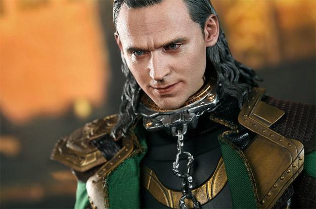 Loki-Collectible-Figure-MMS231-HotToys-09