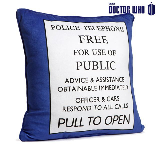 Almofada-Doctor-Who-TARDIS-Pillow-01