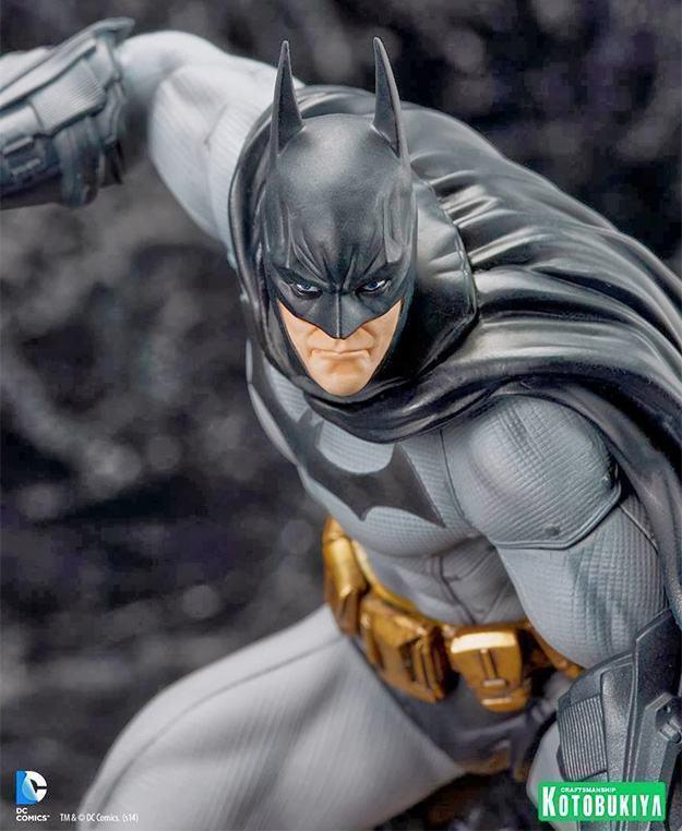 Batman-Arkham-City-ArtFX-Statue-02
