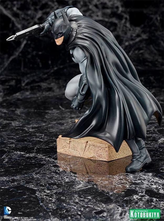 Batman-Arkham-City-ArtFX-Statue-04