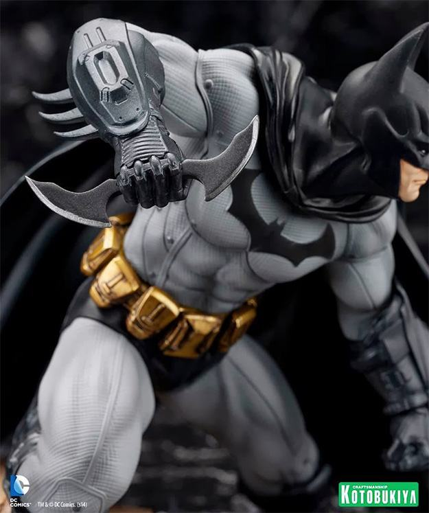 Batman-Arkham-City-ArtFX-Statue-06