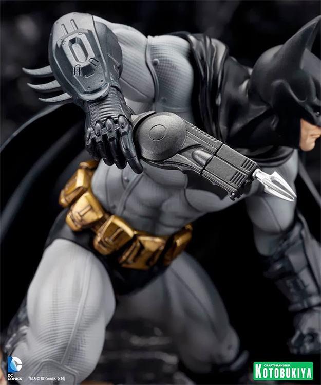 Batman-Arkham-City-ArtFX-Statue-07