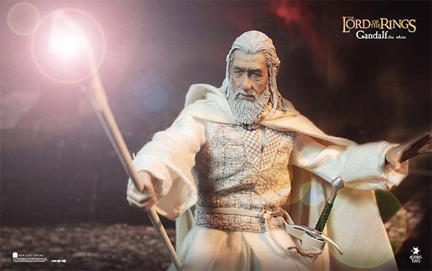 Gandalf-the-White-LOTR003-Action-Figure-02