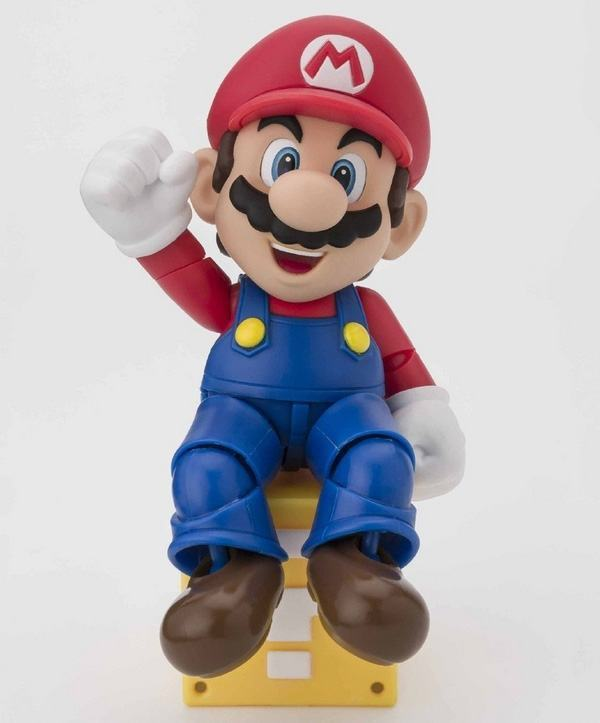 SH-Figuarts-Super-Mario-Action-Figure-02