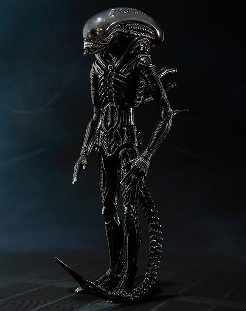 SH-MonsterArts-Alien-Big-Chap-03