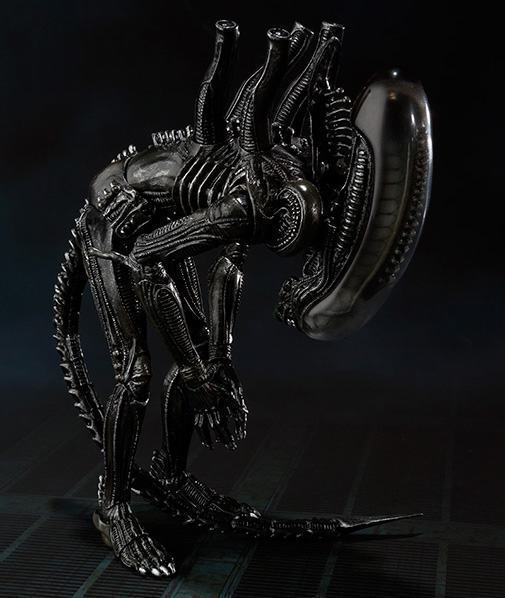 SH-MonsterArts-Alien-Big-Chap-07