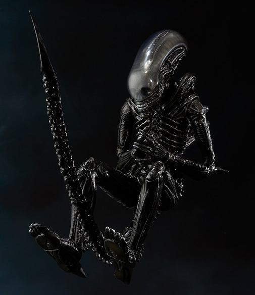 SH-MonsterArts-Alien-Big-Chap-08