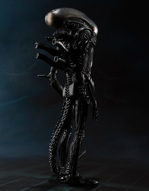 SH-MonsterArts-Alien-Big-Chap-09