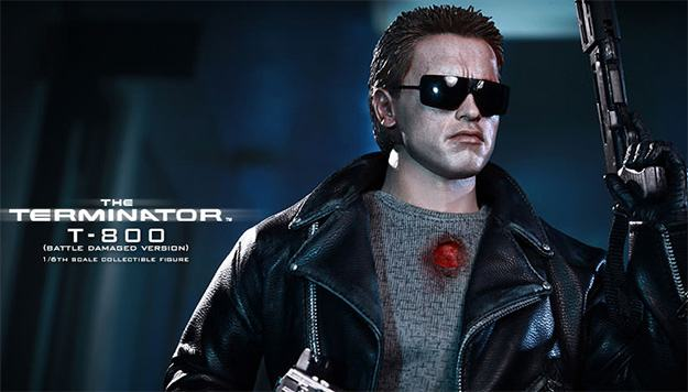 The-Terminator-T-800-Battle-Damaged-Hot-Toys-Figure-01b