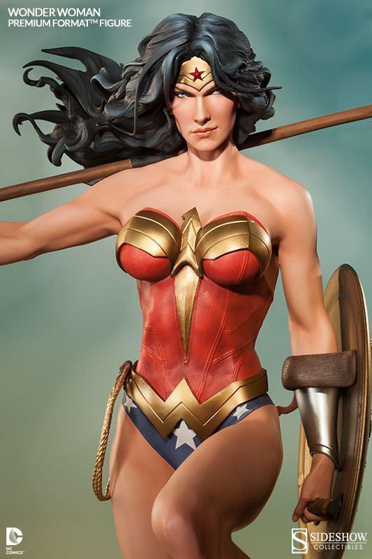 Wonder-Woman-Premium-Format-02