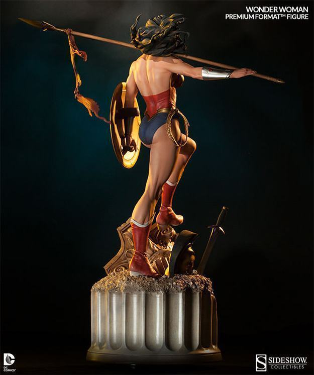 Wonder-Woman-Premium-Format-09