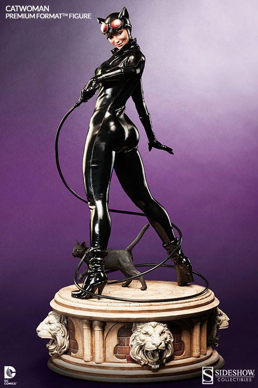 Catwoman-Premium-Format-01