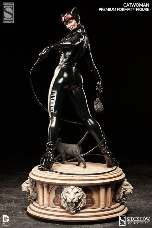 Catwoman-Premium-Format-04