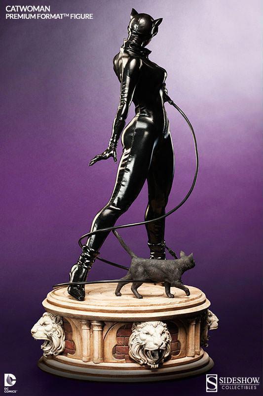Catwoman-Premium-Format-06