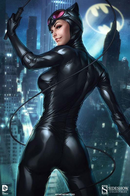 Catwoman-Premium-Format-10