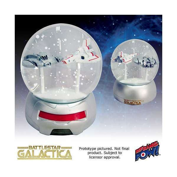 Globo-de-Neve-Battlestar-Galactica-Cylon-Viper-Battle-Snow-Globe-02