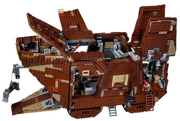 LEGO-Star-Wars-Sandcrawler-02