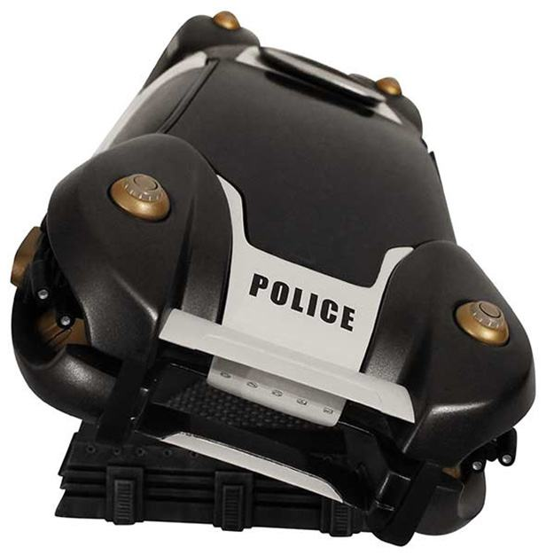 Total-Recall-Flying-Police-Car-Statue-03
