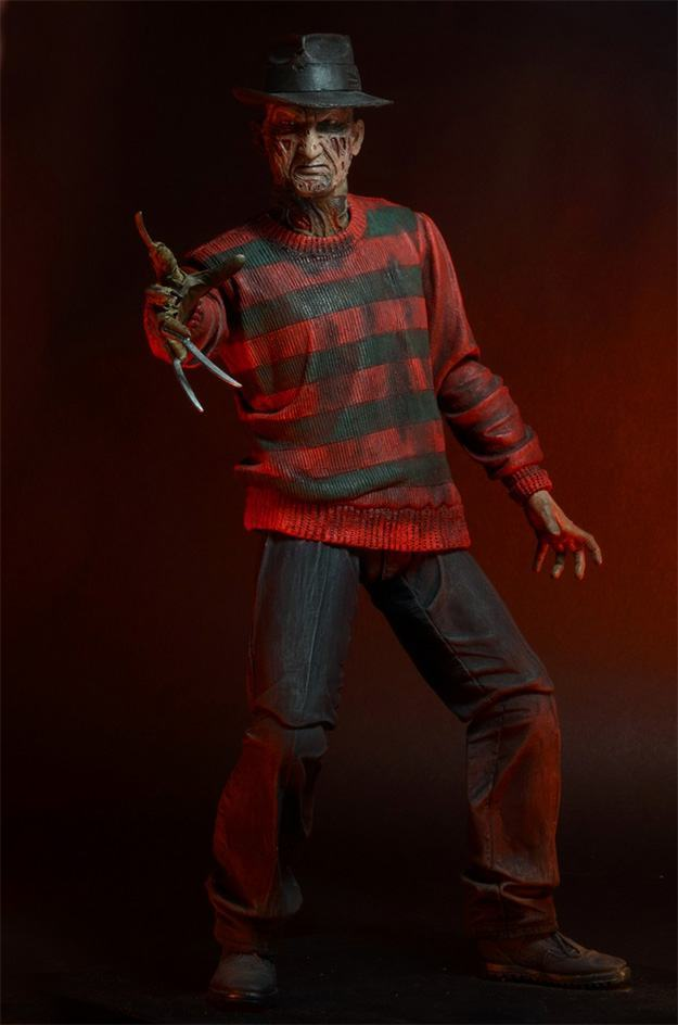 A-Nightmare-on-Elm-Street-30th-Anniversary-Ultimate-Freddy-Action-Figure-02
