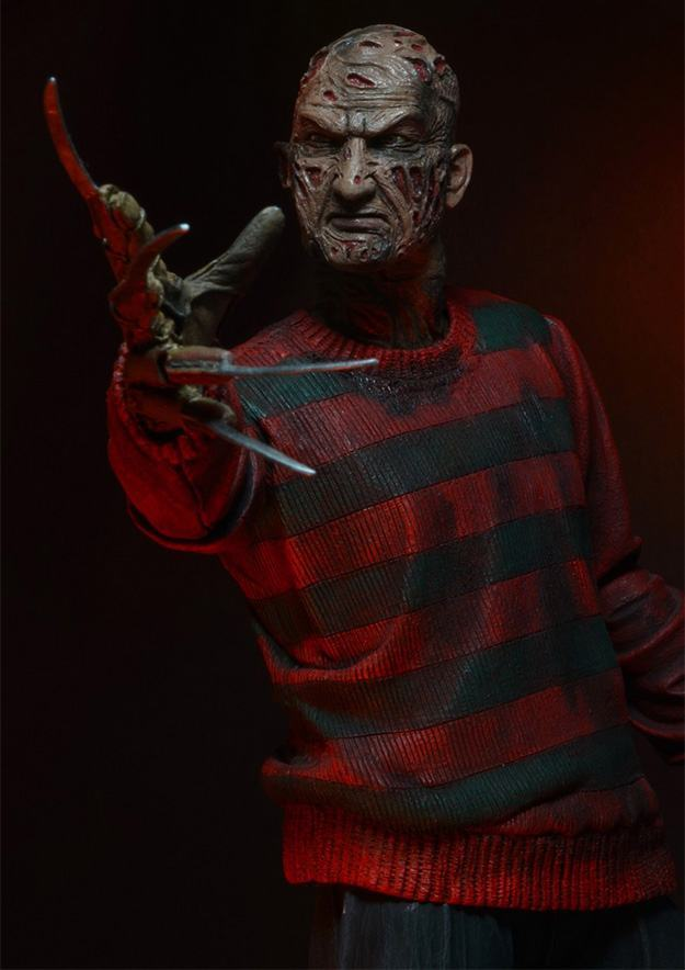 A-Nightmare-on-Elm-Street-30th-Anniversary-Ultimate-Freddy-Action-Figure-03