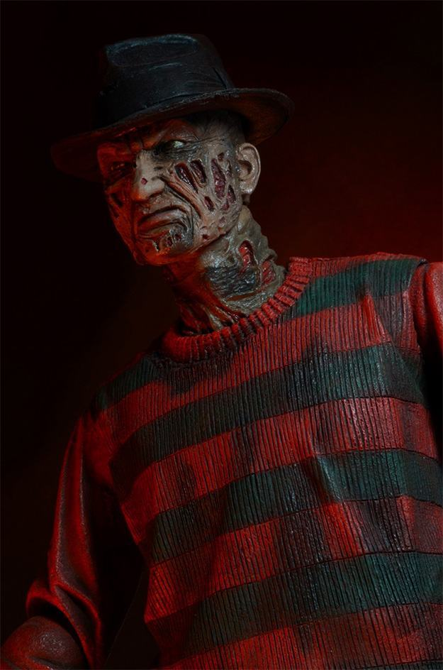 A-Nightmare-on-Elm-Street-30th-Anniversary-Ultimate-Freddy-Action-Figure-04