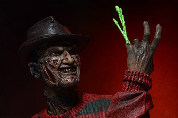 A-Nightmare-on-Elm-Street-30th-Anniversary-Ultimate-Freddy-Action-Figure-07
