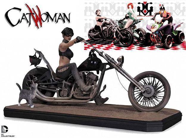 Gotham-City-Garage-Catwoman-Statue-01