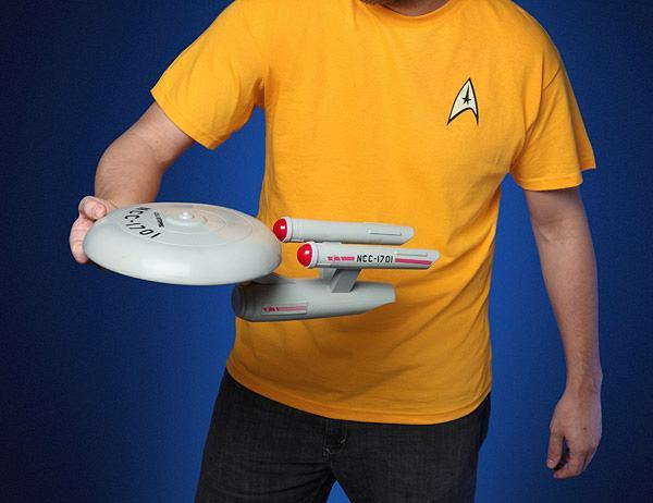 Star-Trek-USS-Enterprise-Flying-Disc-02