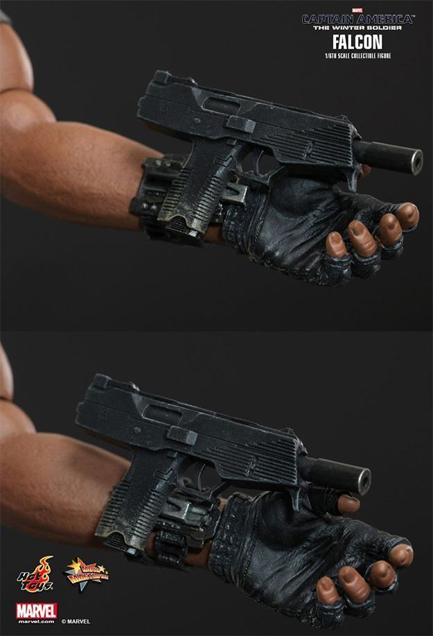 Falcon-Action-Figure-Hot-Toys-11