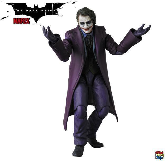 The-Joker-Heath-Ledger-MAFEX-Action-Figure-02