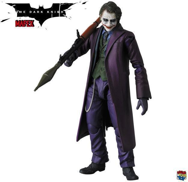 The-Joker-Heath-Ledger-MAFEX-Action-Figure-03