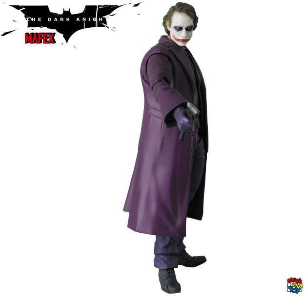 The-Joker-Heath-Ledger-MAFEX-Action-Figure-04