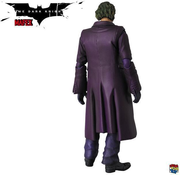 The-Joker-Heath-Ledger-MAFEX-Action-Figure-06