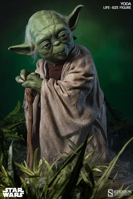 Yoda-Life-Size-Figure-Sideshow-01