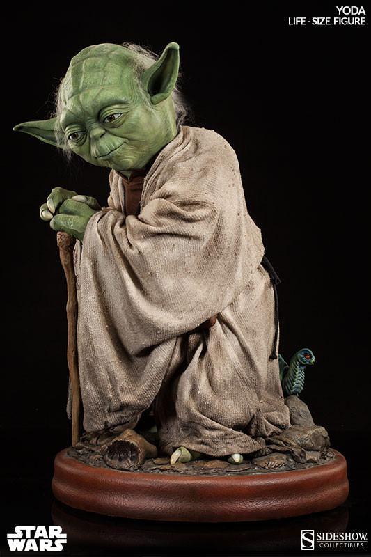 Yoda-Life-Size-Figure-Sideshow-04
