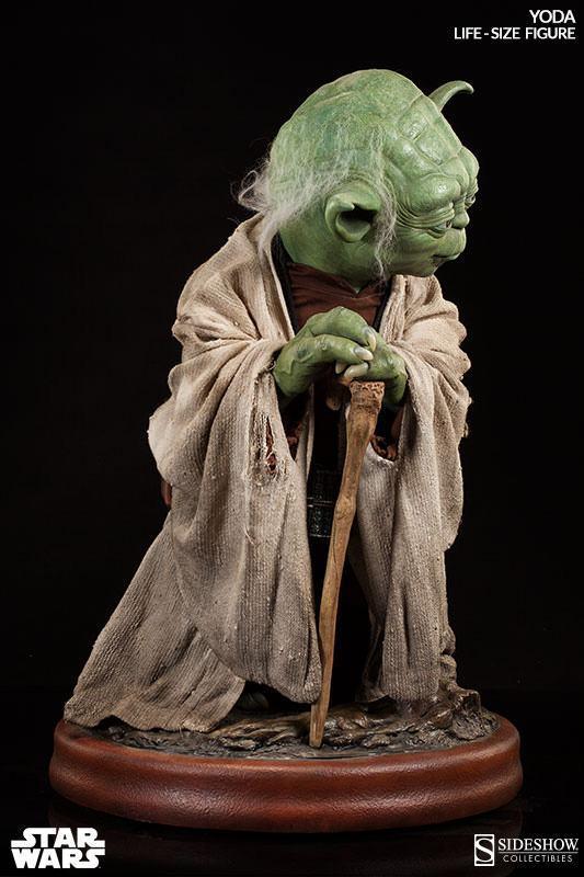 Yoda-Life-Size-Figure-Sideshow-05