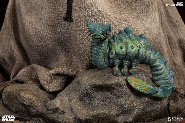 Yoda-Life-Size-Figure-Sideshow-09