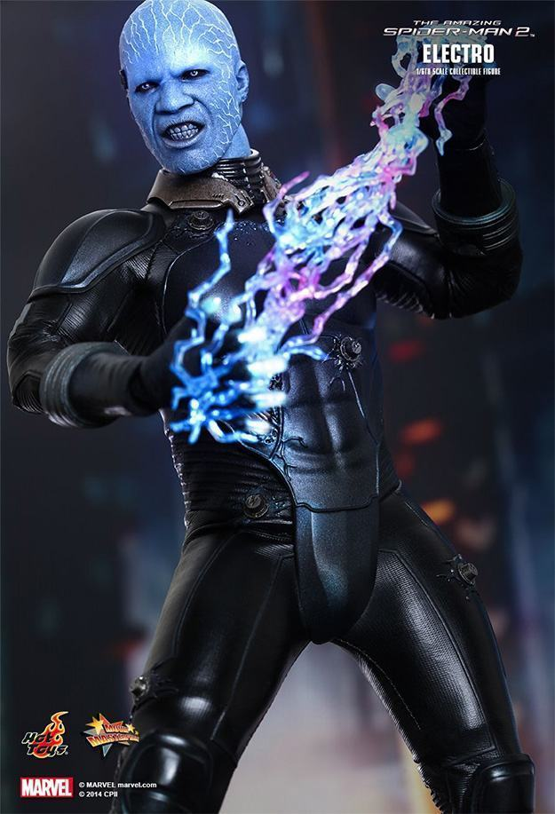 Electro-Collectible-Figure-Hot-Toys-05