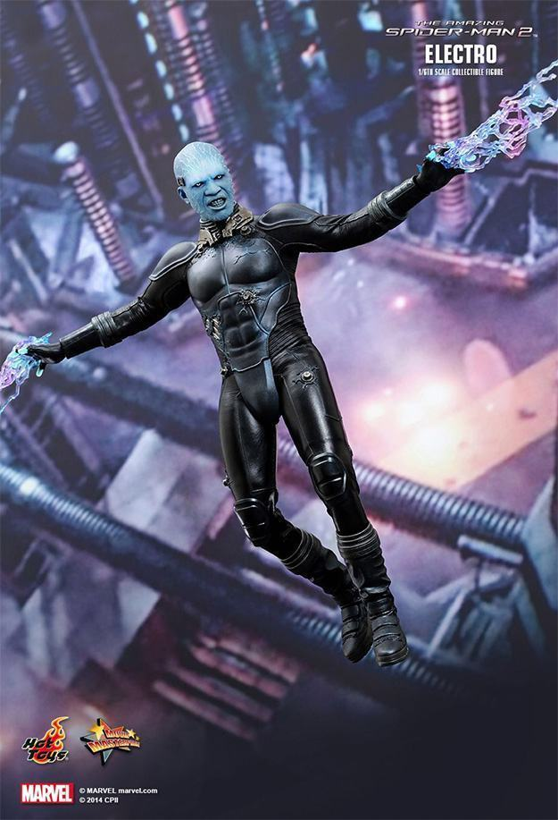 Electro-Collectible-Figure-Hot-Toys-08