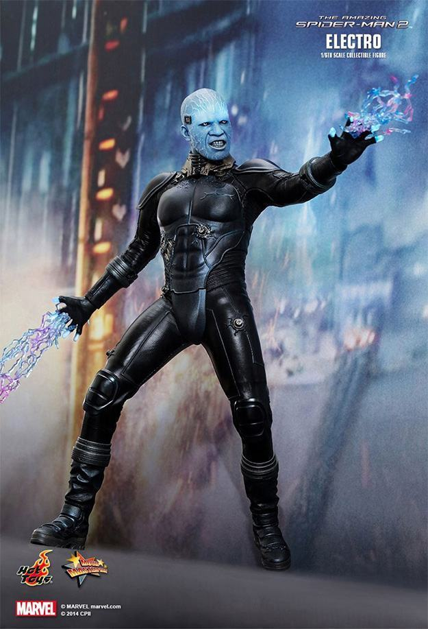 Electro-Collectible-Figure-Hot-Toys-10