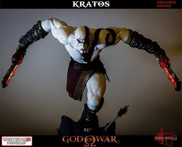 God-of-War-Kratos-Statue-01
