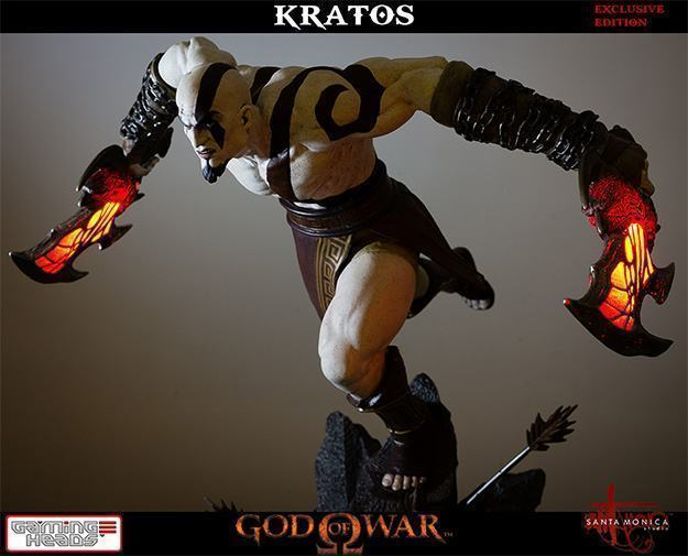 God-of-War-Kratos-Statue-11